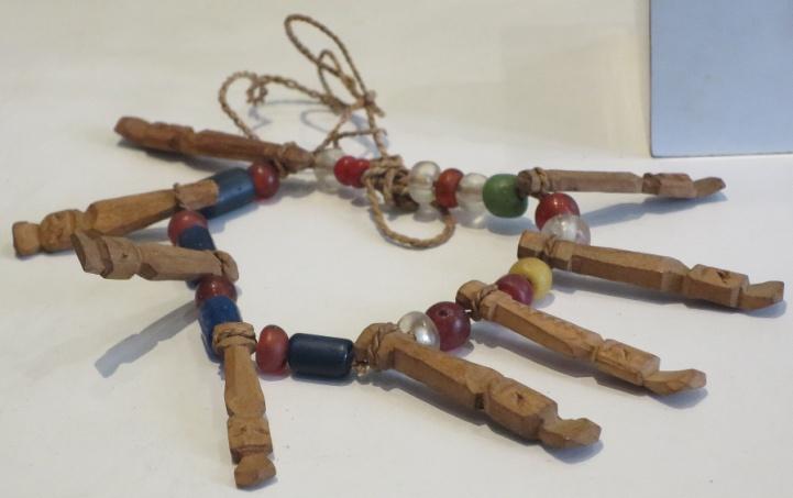 Bracelet (gelang) wood, fibre, beads,